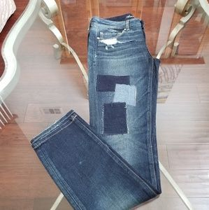 AMERICAN EAGLE high-waisted, distressed jeans